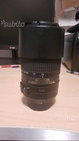 Nikon d con obiettivi  e  f