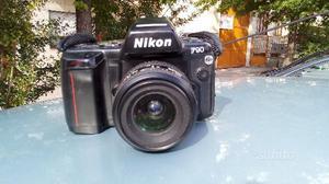 Nikon f90 con obbiettivo e zoom
