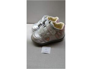 Varie scarpe di marca ma usate