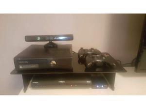 Xbox360+kinect+2controlle r+giochi