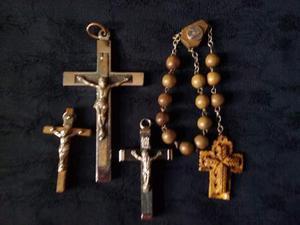 3 crocifissi e 1 rosario