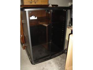 Soggiorno porta tv con 4 ante in vetro posot class for Mobile tv usato