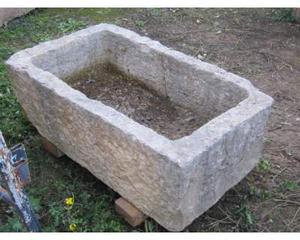 Vasca antica in pietra