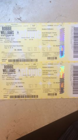 Vendo due biglietti Robbie Williams Verona