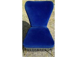 Vintage POLTRONCINA anni 60 in velluto color blue klein.
