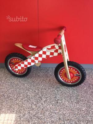 Bici senza pedali in legno