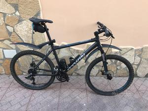 Bicicletta Mountain Bike MTB Rockrider 500