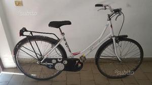 Bicicletta da donna Holland da 26 bianca
