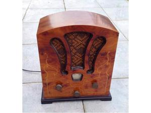 Radio in stile antico