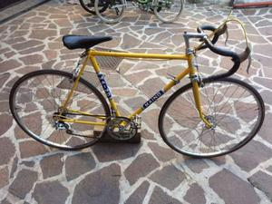 Bici da corsa vintage maino conservata