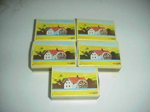 Lotto 5 sorpresine mulino bianco scatoline giochi gadget