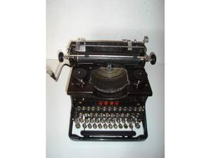 Macchina da scrivere da tavolo torpedo mod. 6 anno