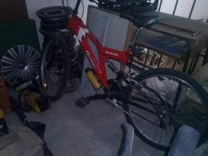 Bici Mountain Bike con ammortizzatori