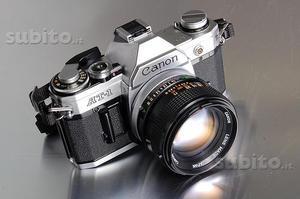 Macchina fotografica Canon AT1 con accessori