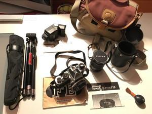 Reflex SRL Nikon FE con accessori