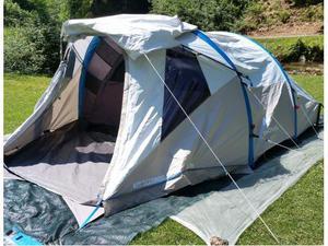 Tenda da campeggio QUECHUA 4 posti