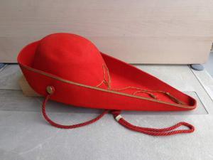 Feluca goliardica verde universita di bologna posot class for Il cappello rosso bologna