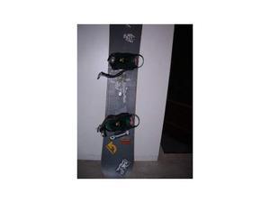 Tavola snowboard cm 156 + attacchi drake