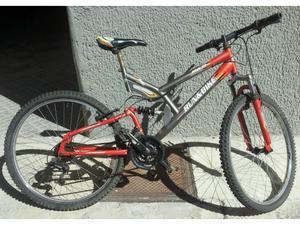 Mountain bike biammortizzata in ordina e pronta all'uso