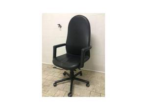 Sedia nera in similpelle con ruote marca Spd Arredi