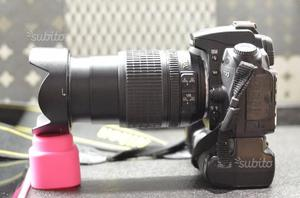 Reflex NIKON D90 +obiettivo  e battery pack
