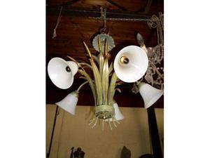 Lampadario in ferro battuto laccato con campane in vetro