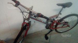 Montain bike praticamente nuova