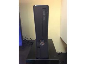 Xbox 360 slim 2 joystick più giochi