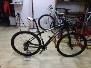 Bici mtb 29 er in carbonio