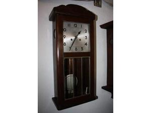 Antico orologio a pendolo Veglia