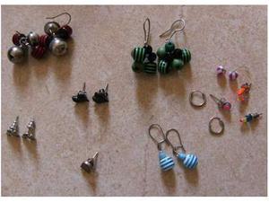 Stock 7 orecchini colorati pendenti metallici anelle cuori