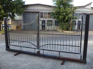Cancello in ferro battuto di 400 su monoblocco
