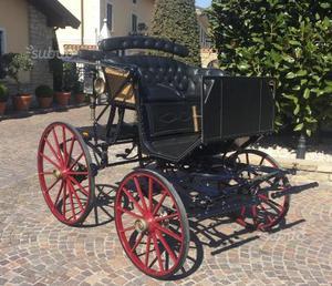 Carrozza per cavallo paithon in paglia di Vienna
