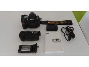 Nikon D scatti + MB-D10 + CF 64 Gb x