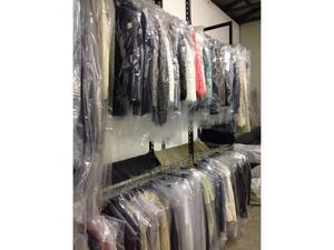 stock di abbigliamento firmato Euro 6
