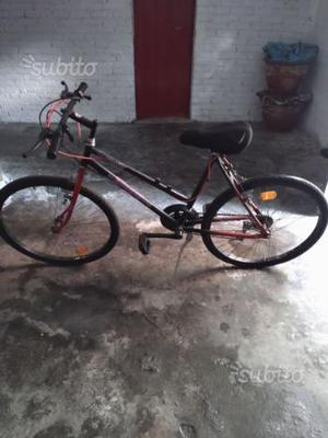 Bicicletta Mountain bike 26'