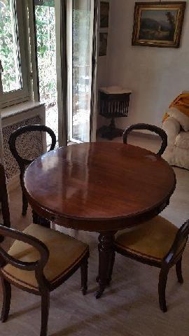 TAVOLO pranzo con 4 sedie