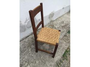 4 sedie in legno robuste