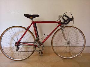 Bici da corsa Vicini rossa, cambio Campagnolo