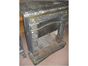 Caminetto stufa antico originale e raro in marmo nero