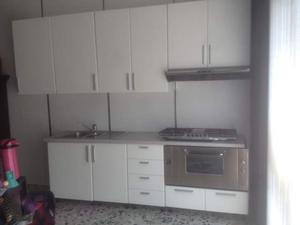 Cucina con piano cottura e lavello foster posot class for Cucina usata a milano