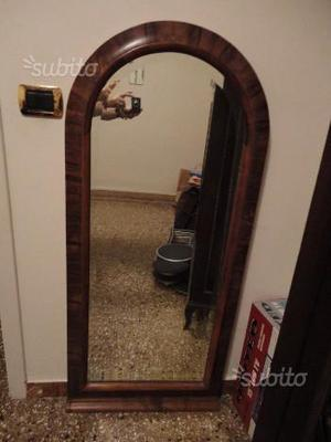 Specchio con cornice in Noce Radica