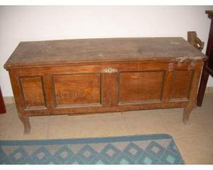 Antica cassapanca in legno di olmo