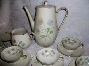 Servizio da CAFFE' della Nonna dei primi '900: BELLO