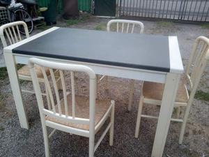 Tavolo allunghabile con 4 sedie