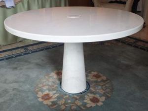 Tavolo rotondo in marmo di Carrara Angelo Mangiarotti