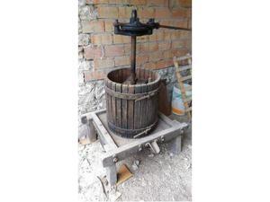 Torchio antico con base in legno(primi 900)