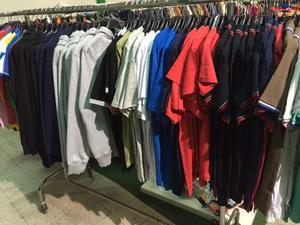 Cerco: Cerco stock di abbigliamento da negozi/outlet