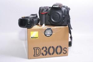 Fotocamera digitale reflex nikon d300s + bg meike