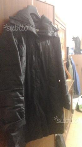 Giubbotto nero lungo da donna